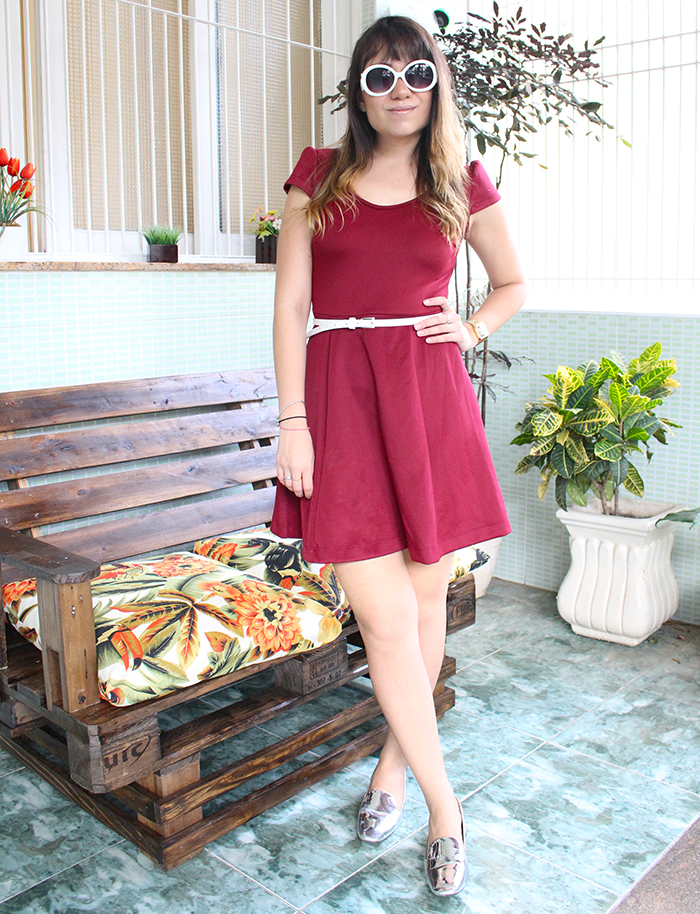 Look do Dia: Vestido Rodado Vinho + sapato prateado